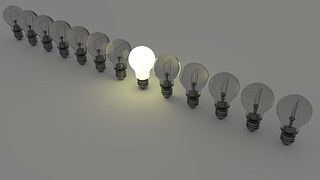 light-bulbs-1125016__180